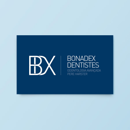 Identidad <br/> Clínica dental